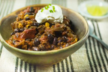 Slow Cooker Beef and Black Bean Chili