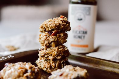 No-Bake Autumn-Spiced Oatmeal Cookies
